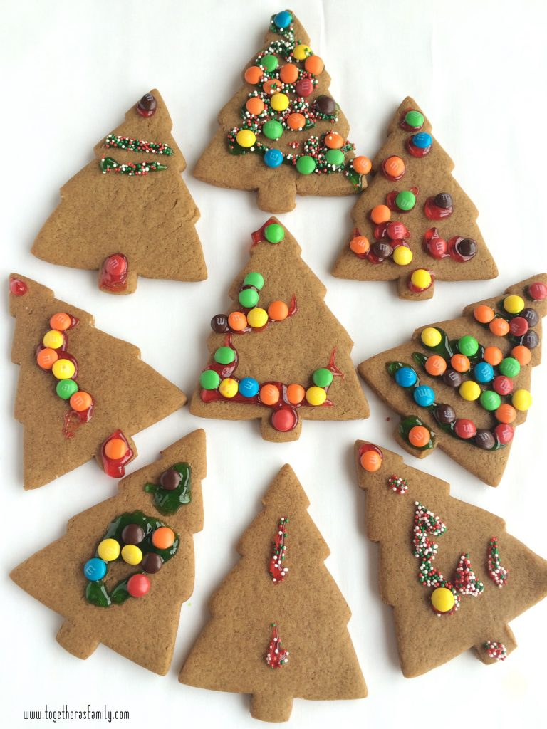 GINGERBREAD CHRISTMAS TREES | fun Christmas activity to get the kids involved in! www.togetherasfamily.com