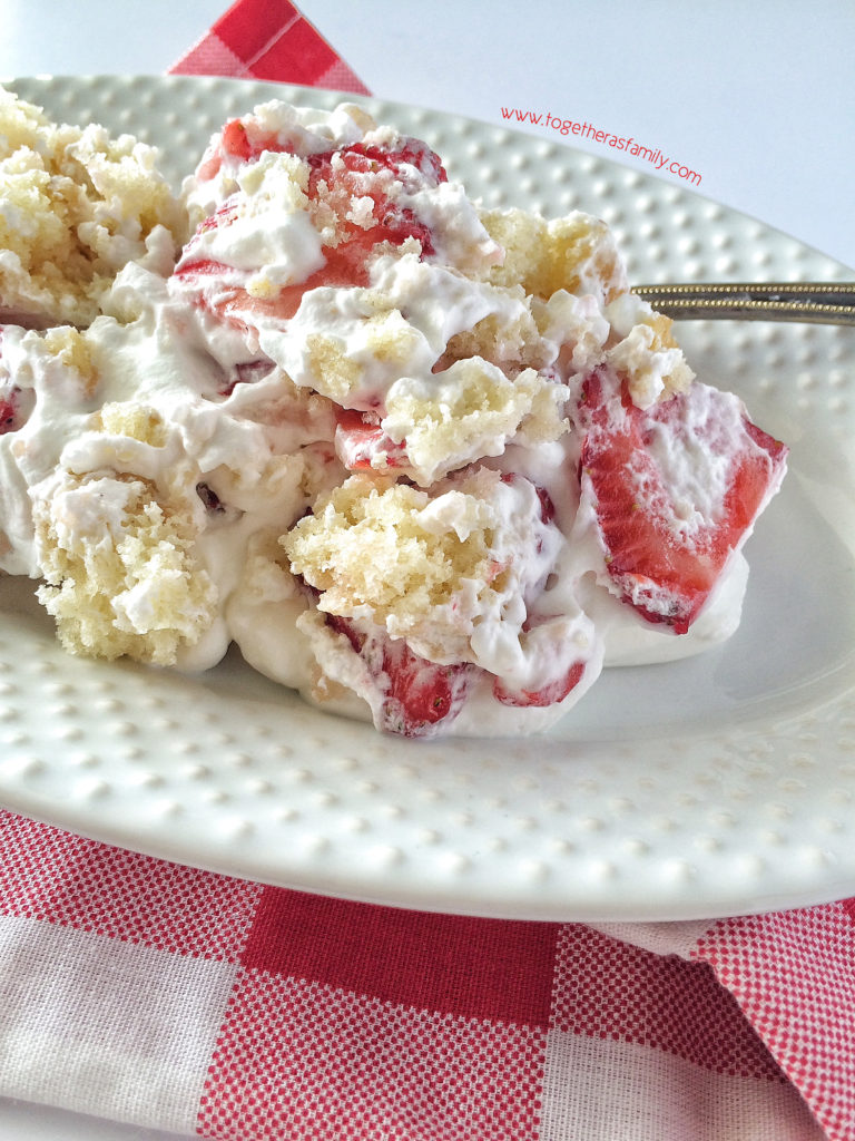 STRAWBERRY SHORTCAKE TRIFLE | www.togetherasfamily.com