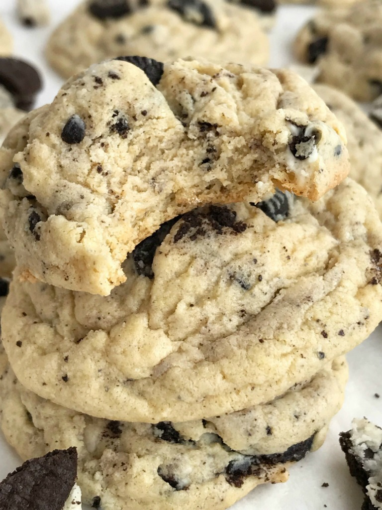 Oreo Cookies & Cream Pudding Cookies   Pudding Cookies   Oreo Cookies   Cookies   Oreo cookies & cream pudding cookies are thick, super soft thanks to the pudding mix in the dough, and totally addictive! Cookies n cream chocolate candy bars, Oreo pudding mix, and Oreo cookies are all in these cookies. #cookies #desserts #easyrecipe #oreos
