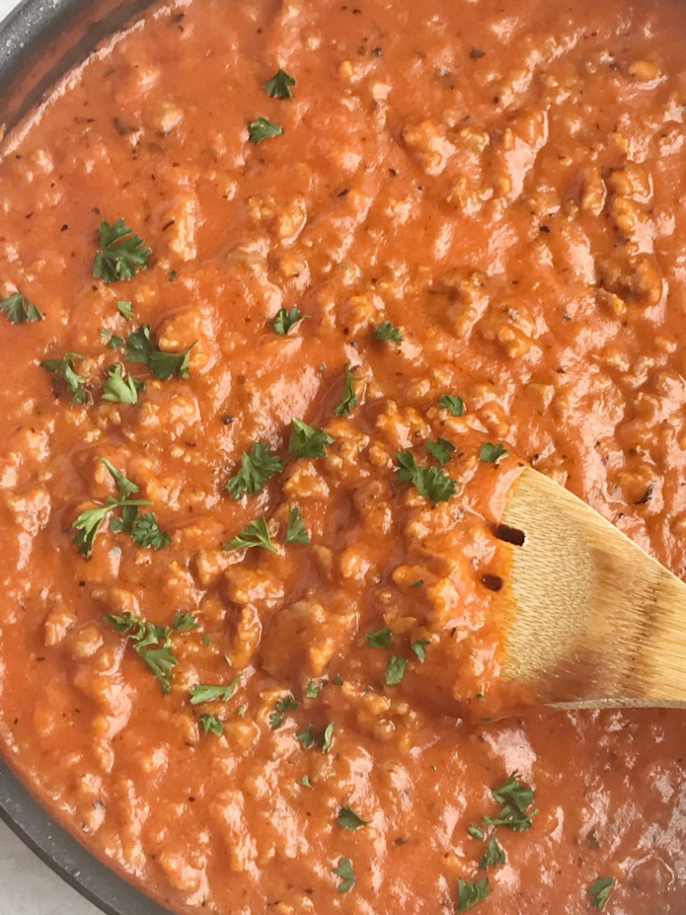 Easy Spaghetti Sauce | Homemade Spaghetti Sauce | Dinner Recipe | Easy Recipes | Spaghetti sauce the easy way! This recipe for spaghetti sauce uses Italian sausage, seasonings, and convenient cans of pasta sauce and alfredo sauce. A 30 minute dinner with amazing flavor! #dinner #dinnerrecipes #pasta #easyrecipe #recipeoftheday