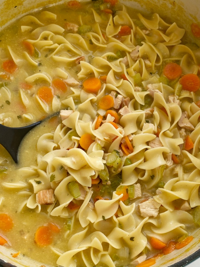 Chicken Noodle Soup cooks on just one pot! Cooked chicken, egg noodles, fresh veggies simmer in one pot in a seasoned chicken broth base. So warm and comforting and even kids will love this easy chicken noodle soup recipe.
